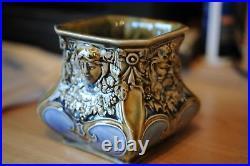 Doulton 11 cm x 12 cm squat vase decoration by artist Francis Pope